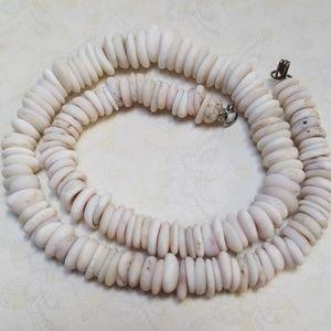 Genuine 🌴Hawaiian🌴 White 70s Puka Shell Necklace